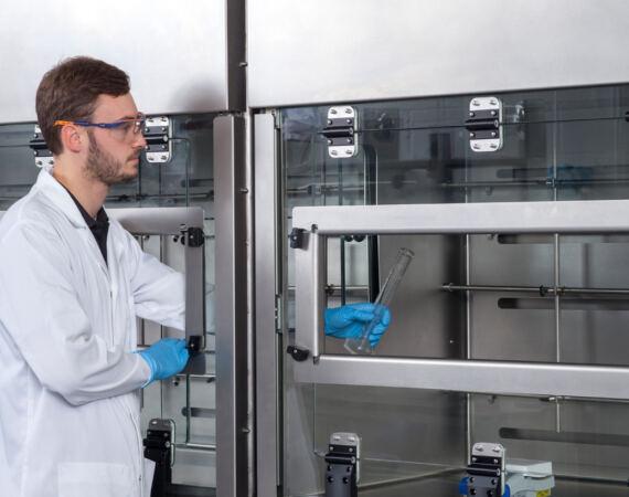 Laboratory LEV - Ventilated enclosure