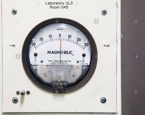 Laboratory magnehelic pressure gauge